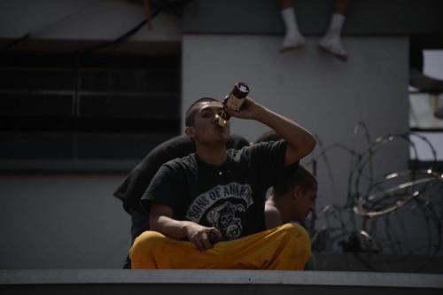 Los reclusos saquearon una bodega de cerveza para emborracharse. (Foto: Wilder López/Soy502)