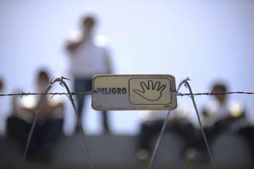 Los vecinos de los alrededores del Centro de Detención Las Gaviotas viven con la angustia de que se desate un nuevo motín. (Foto: Wilder López/Soy502)