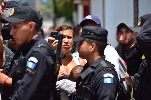 La Policía no quería actuar en el motín de Gaviotas, sin presencia de la Procuraduría de Derechos Humanos. (Foto: Wilder López/Soy502)