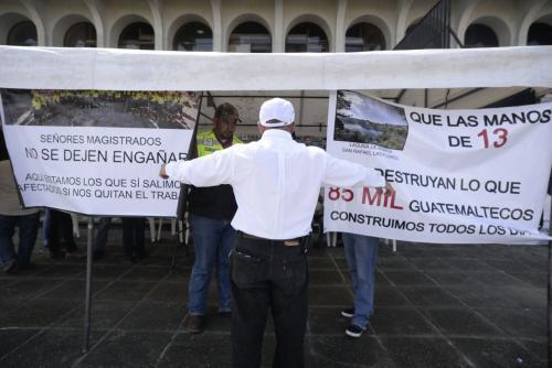 Los representantes de los proveedores realizarán un plantón a modo de protesta contra el cierre de la mina. (Foto: Wilder López/Soy502)