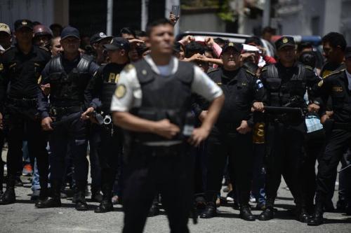 La Policía no quería intervenir en el motín de las Gaviotas sin la presencia de la PDH. (Foto: Wilder López/Soy502)
