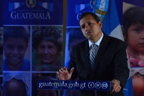 Francisco Rivas explica el cambio de imagen de la PNC. (Foto: Jesús Alfonso/Soy502)