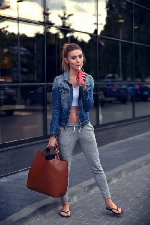 las sandalias están de moda para usar en la ciudad, no tengas miedo de usarlas. (Foto: eslamoda.com)