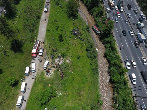 Vista aérea del accidente sucedido en la ruta al Pacífico. (Foto: Amílcar Montejo/PMT)