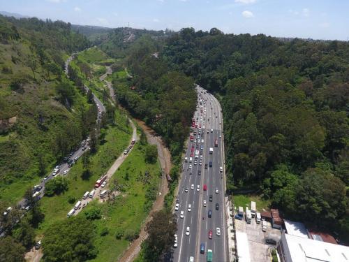 Los automovilistas que se dirigen hacia el sur han encontrado congestionamiento hacia esa ruta. (Foto: Amílcar Montejo)