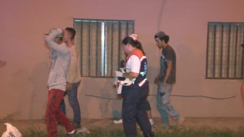Luego de recibir atención médica, los responsables quedaron bajo custodia de la Policía. (Foto: La Prensa)