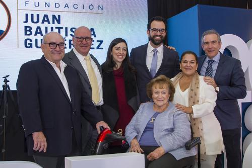La familia Bosch Gutiérrez estuvo presente en la premiación que se realizó en el Hotel Westin Camino Real. (Foto: cortesía Comunicación y Marketing)