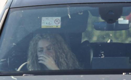 """La cantante colombiana tuvo que suspender su gira """"El Dorado"""" por una hemorragia en las cuerdas vocales. (Foto: www.univision.com)"""