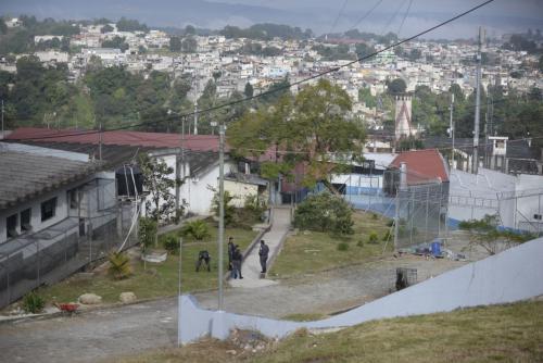 Las autoridades de seguridad nacional visitaron las instalaciones del Preventivo para Varones de la zona 18. (Foto: Wilder López/Soy502)