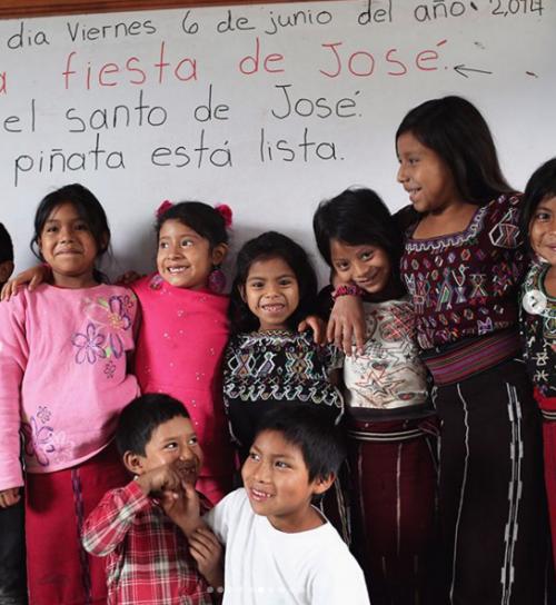 Alumnos de la escuela de la comunidad Samutz Sacrabinak en Quiché. (Foto: Gigi Hadid)