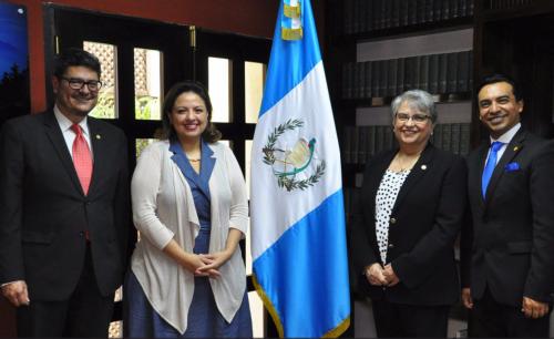 Foto oficial de las nuevas autoridades de la Cancillería. (Foto: Minex)