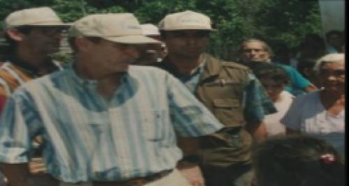 En la imagen de archivo se observa al alcalde Álvaro Arzú y a Byron Lima como escolta. (Foto: MP).
