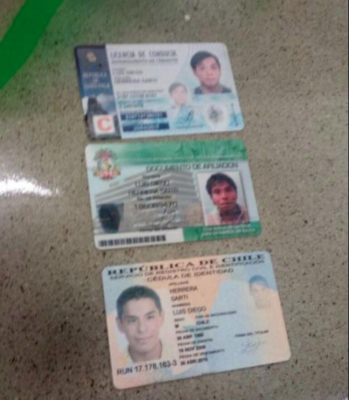 Estos son los documentos de identificación del presunto delincuente. (Foto: Administración del Condominio Comercial)