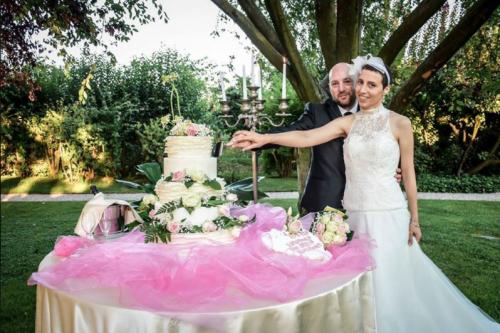 Elisa contrajo matrimonio tras ser diagnosticada con un cáncer terminal. (Foto: Facebook)