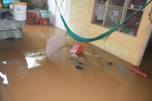 Las casas en varios municipios de Cobán han dejado daños en viviendas. (Foto: Pedro Pop/Nuestro Diario)