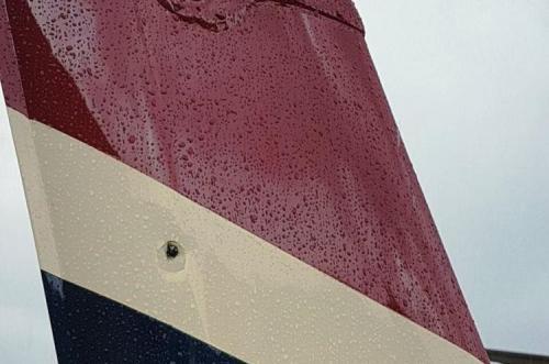 Una bala alcanzó la aeronave que transportaba insumos a la Minera San Rafael. (Foto: www.elpuertoinforma.com)