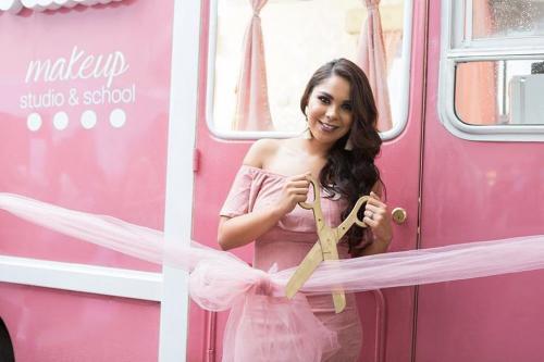 Inauguración de The Beauty Truck. (Foto: Makeup Studio & School)
