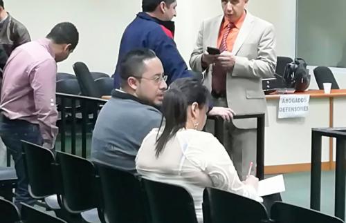De acuerdo a Chacón, Flores era el encargado de llevarlos a la sede del Registro para entregar los informes y las facturas requeridas.
