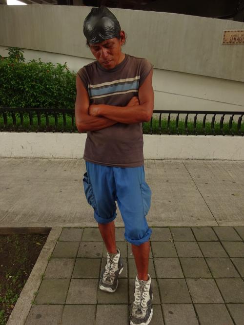 Retrato del indigente que caminaba por las calles del Centro Histórico, presumiblemente víctima de un asesino en serie. (Foto: Cortesía Ameno Córdova)