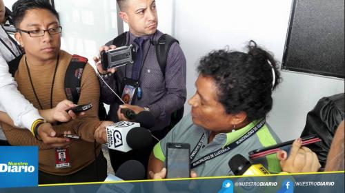 La esposa de Obdulio Villanueva asegura que ella trabaja en la Municipalidad. (Foto: Nuestro Diario)