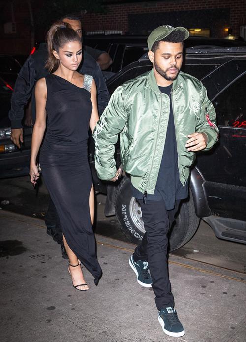 Selena y The Weekns paseando por las calles de Nueva York. (Foto: Hollywood life)