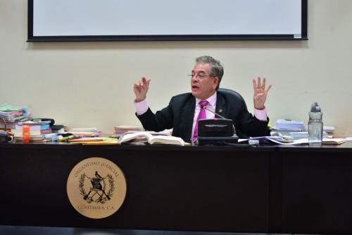 El juez Miguel Ángel Gálvez, no entró a conocer el incidente presentado por la defensa de Otto Pérez y lo rechazó. (Foto: Jesús Alfonso/Soy502).
