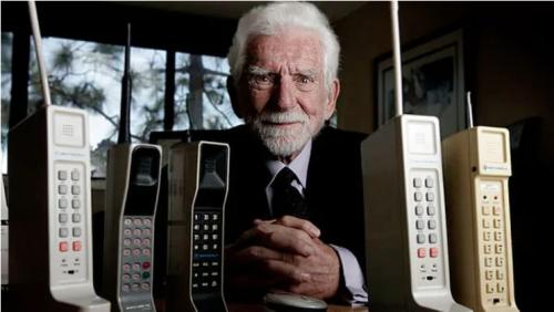 Martin Cooper, inventor del primer teléfono celular del mundo. (Foto: Infobae)