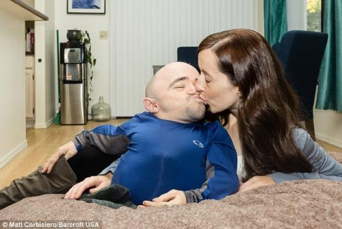 Esta pareja ha sido criticada por muchos prejuicios. (Foto: Daily Mail)