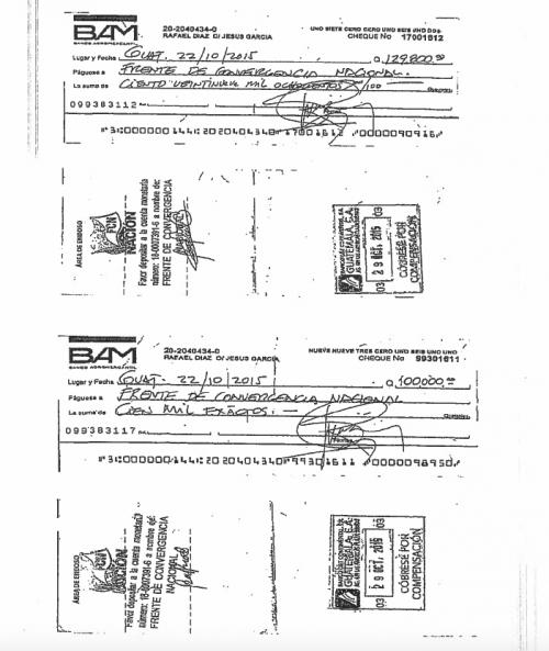 Estos son los cheques que entregó el empresario.