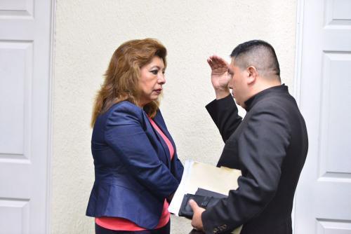 Anabella de León sí fue trasladada desde la cárcel Mariscal Zavala hasta la Torre de Tribunales. (Foto: Jesús Alfonso/Soy502).