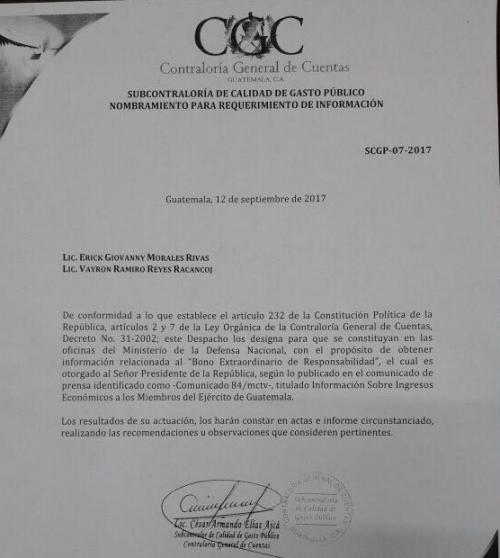 La orden para verificar la legalidad del bono que recibe el presidente Jimmy Morales. (Foto: CGC).