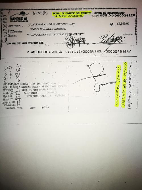 El mandatario solicitó que el dinero se depositara en su cuenta persona. (Foto: Soy502)