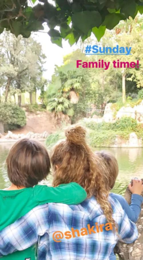 Esta es la confirmación de que la pareja sigue unida junto a sus hijos (Foto: Instagram Stories @3gerardpique / Infobae)