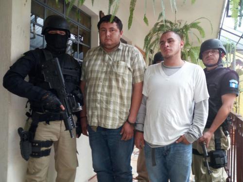 Estos son los presuntos secuestradores que fueron detenidos por las autoridades. (Foto: PNC)