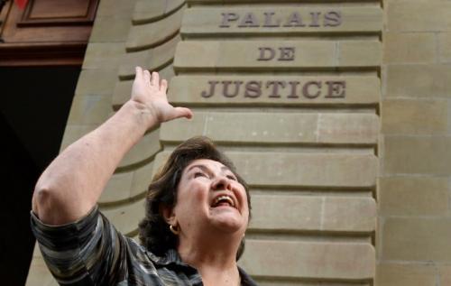 La madre de Sperisen celebró lo dictaminado por la jueza. (Foto: AFP)