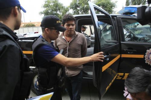 Barrios Castellanos se abstuvo de dar declaraciones a periodistas a su llegada al juzgado. (Foto: Wilder López/Soy502)