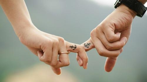 El amor es una adicción. (Foto: SheKnows)