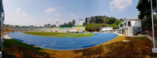 Cementos progreso Estrena Pista Mondo, la primera de calidad olímpica del país. (Foto: VictorXiloj/Soy502).