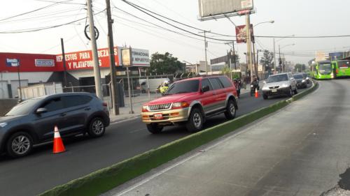 El tráfico es lento en la Aguilar Batres. (Foto: Dalia Santos/PMT)