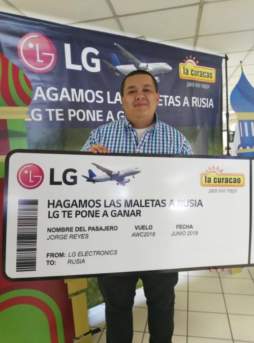 Jorge compró en La Curacao y ganó.