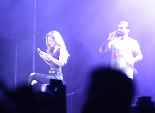 Mafer no sabía que Maluma estaba atrás de ella. (Foto: Selene Mejía/Soy502))