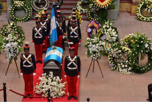 El alcalde capitalino Álvaro Arzú recibió honras de Estado. (Foto: Jesús Alfonso/Soy502)