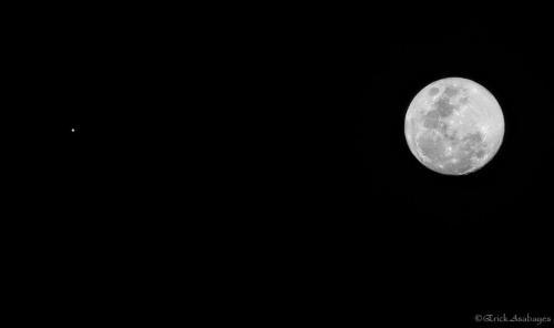 Así se ve la conjunción de Venus con la Luna. (Foto: Cortesía Erick Asabayes)