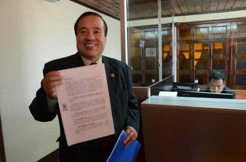 Mejía Dávila se presentó este día en la Corte de Constitucionalidad para solicitar el amparo. (Foto: Alejandro Balán/Soy502)