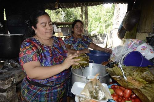 Los tamales guatemaltecos son una tradición familiar, comunitaria y regional. (Foto: Ovidio Car/Nuestro Diario)