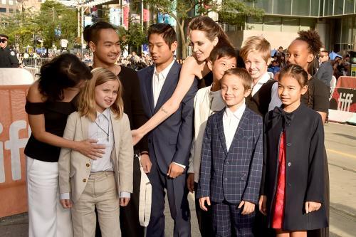La familia de Angelina Jolie en Toronto. (Foto: AFP)