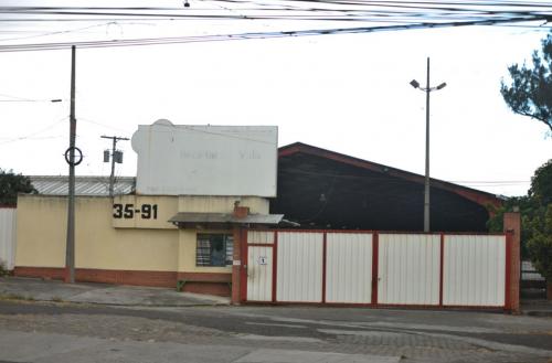 Este es el lugar donde se realiza los allanamientos y donde Jimmy Morales asistió hace tres días. (Foto: Jesús Alfonso/Soy502)