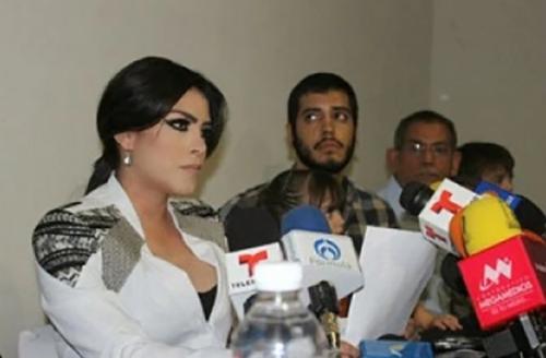 """A Claudia Berenice Ochoa Félix es llamada la  """"Kim Kardashian del narcotráfico"""". (Foto: www.infobae.com)"""