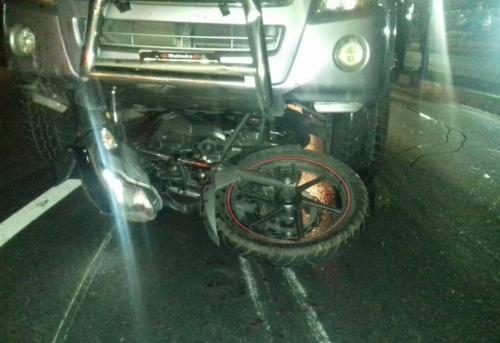 Así quedó la moto en la viajaban los presuntos asaltantes. (Foto: PMT Villa Nueva)