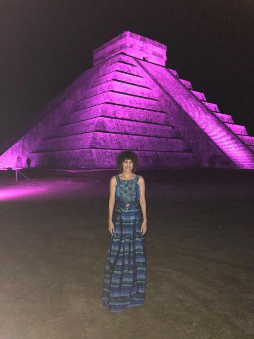 Gaby luciendo su vestido de UNIK'. (Foto: Gaby Moreno oficial)